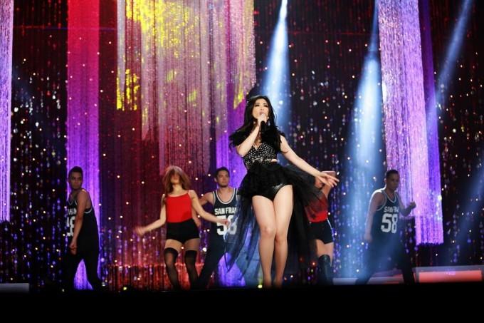 Duong Yen Nhu on stage